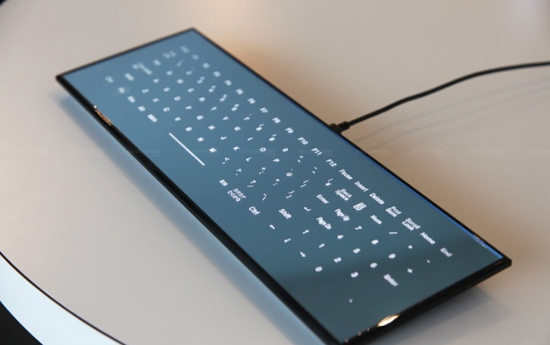 Сенсорная клавиатура с зеркальной поверхностью