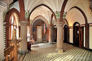 neo-gothic-interior