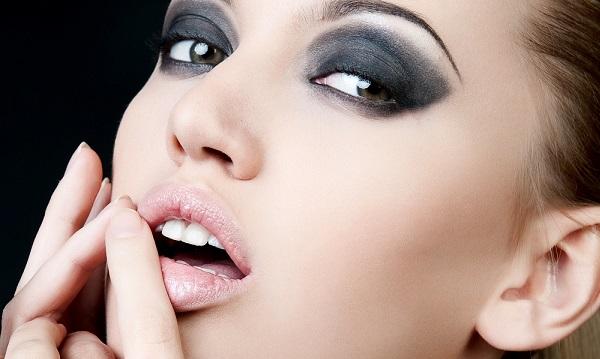перманентным макияжем
